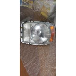 MERCEDES 250 280 W114 /8 barraotto W115 faro anteriore BOSCH 0301854002