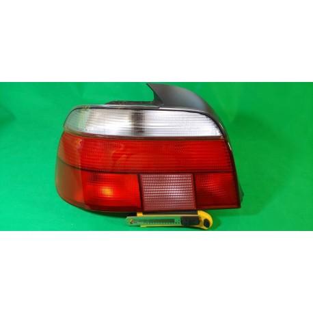 HELLA 2VP007240091 faro fanale posteriore sx BMW Serie5 E39 berlina 95- freccia chiara con portalampada oem 63212496297