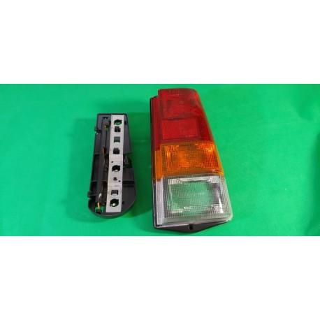 Faro fanale posteriore sx FIAT PANDA 1980 I serie 30 45 30S 45S 4X4 tutti i modelli completo di portalampada
