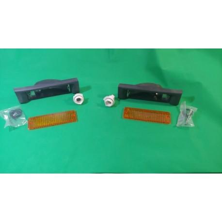 Coppia freccia anteriore dx dx Bmw Serie3 E30 1982 1983 1984 1985 1986 1987 con portalampada Aric 11703000 11704000